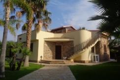 ALFA - AM050 - Villa Singola con Piscina