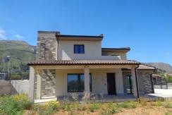 ALFA - AM052 - Villa Singola con Ampi Es